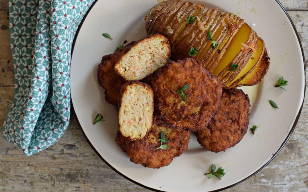 Zöldséges-húsos fasírt, fokhagymás burgonyával