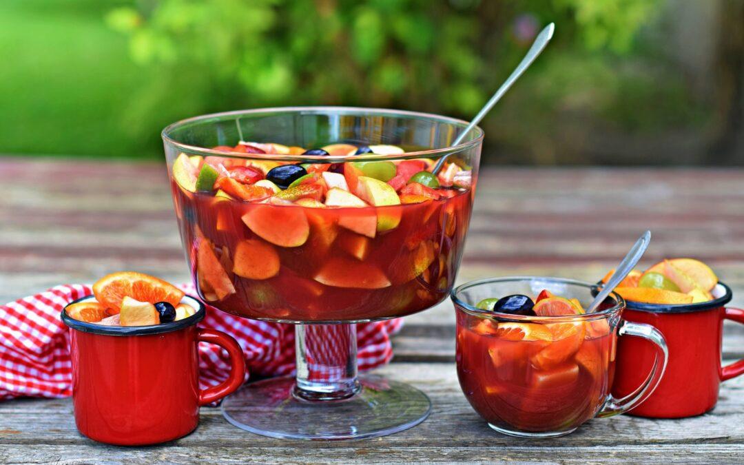 Jéghideg, fűszeres gyümölcsbor bögrésen, bögrében…